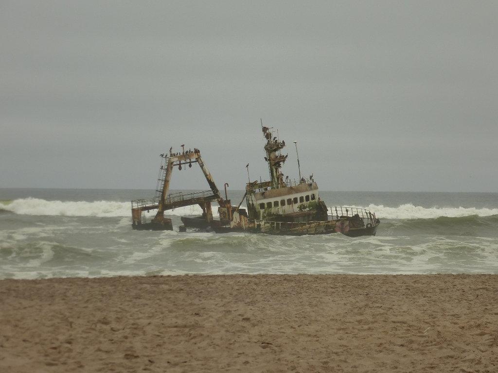 Barco hundido en la costa de Namibia